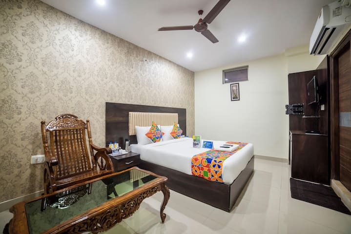 Yours Nest ** 400 m from Secunderabad Railway Station**