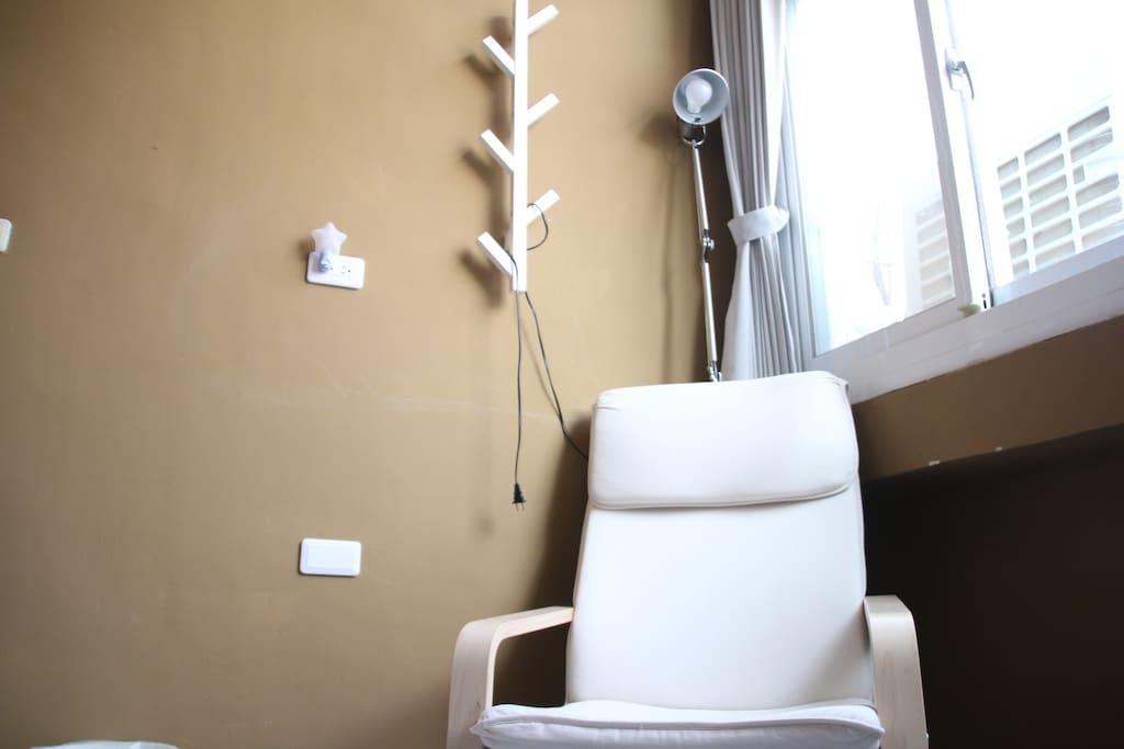雙人雅房/躺椅及房間內擺設