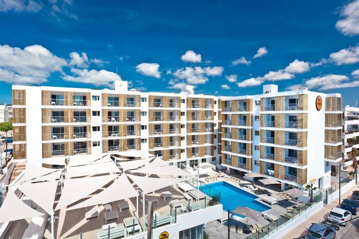 Exterior view of the Ryans Ibiza