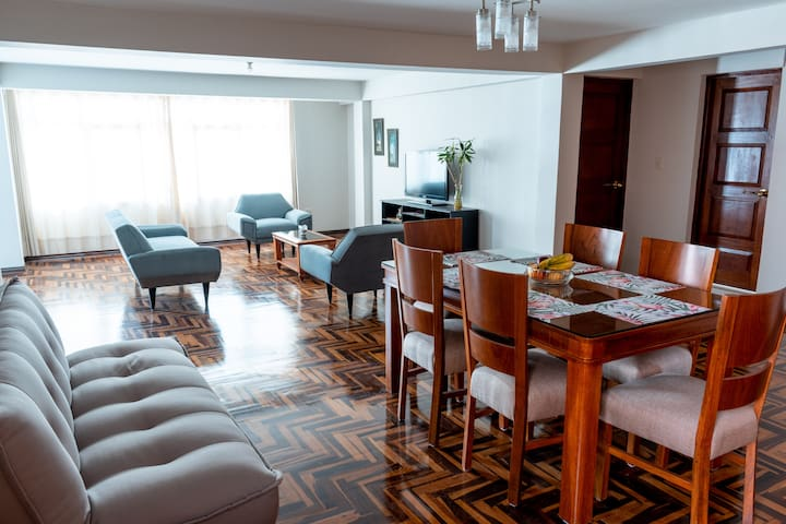 Large and comfortable flat near the airport.