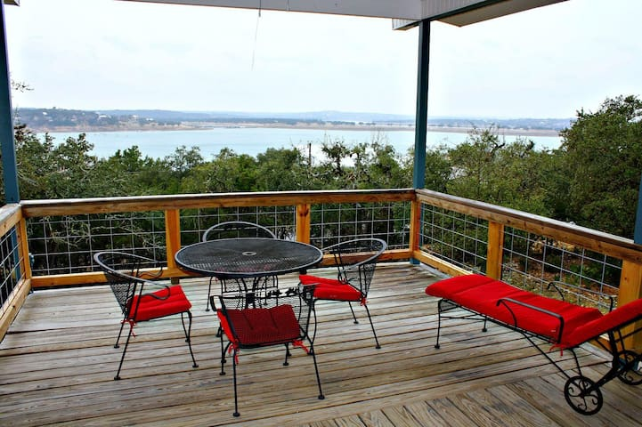 LakePoint Lookout- Your Private Getaway with Sweeping Lake Views - Canyon Lake