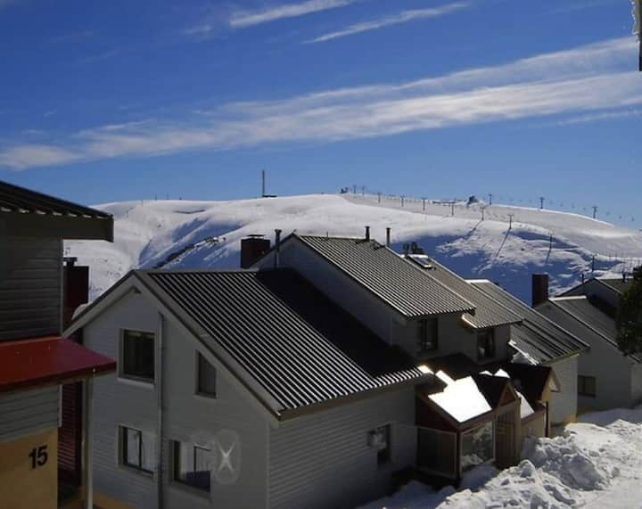 Hotham 1 Bed Apt 15 Available