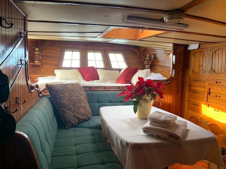 Boatel Hawaii/Special Yacht