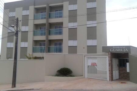 lindo Apartamento c/ ar, wifi, garagem e local exc