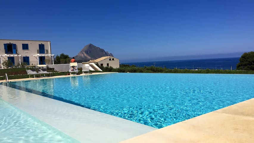 """""""Oliva"""" Residence Cala Azzurra Macari (TP)"""