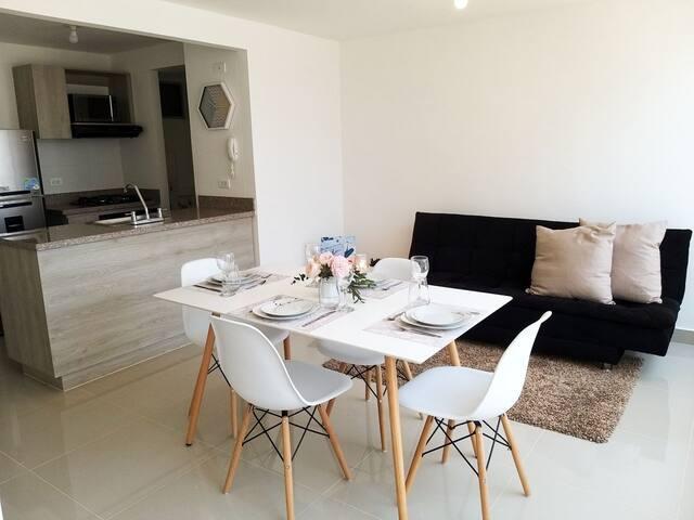 Apartamento nuevo y completo, excelente ubicación