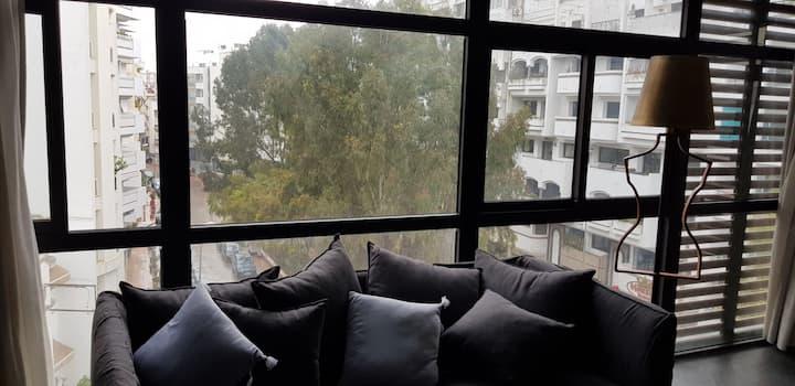 Studio loft étage élevé vue dégagée 1