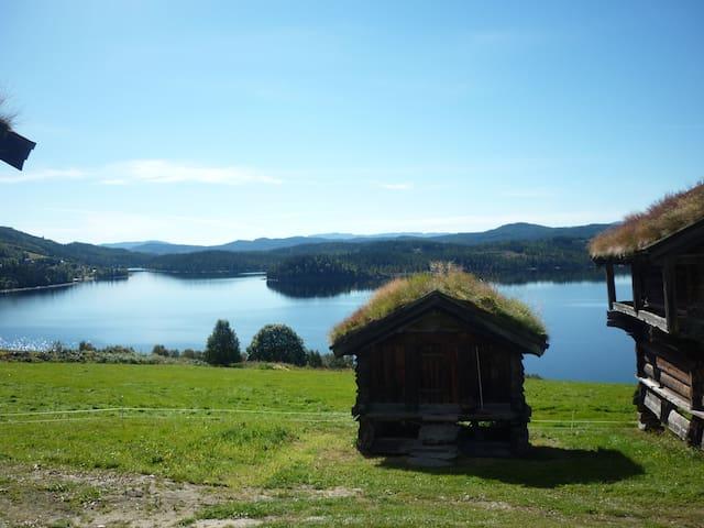 Lita hytte i solfylt gårdstun. - Rauland - Cabin