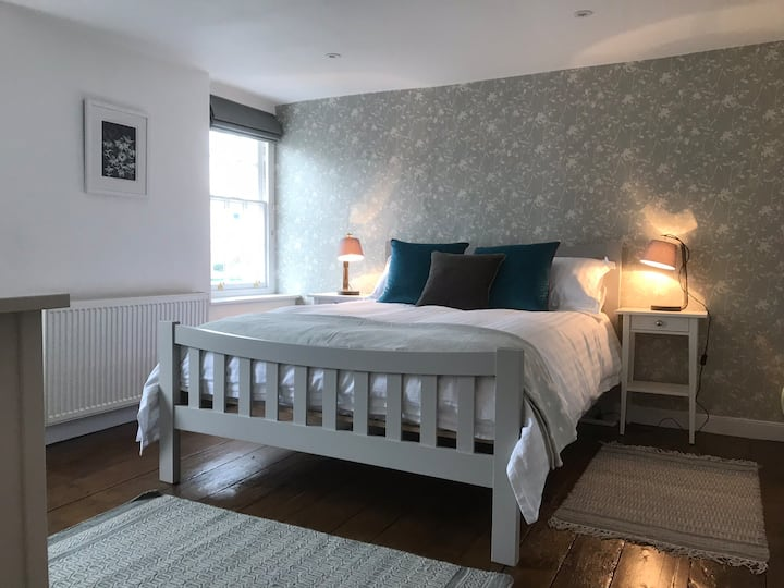 NEW - Opened July 2019 Charming Georgian Cottage