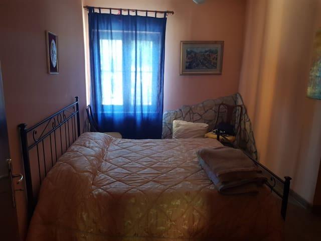 stanza da letto 2