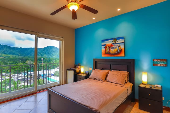 Your Guest Suite, private, quiet, comfortable, relaxing, fully air conditioned with Wifi.