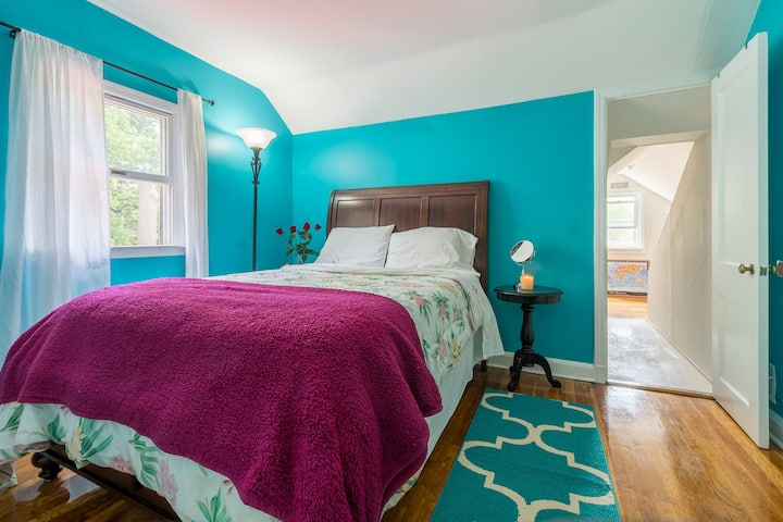Peaceful Room in White Plains 1/2 Hour From NYC