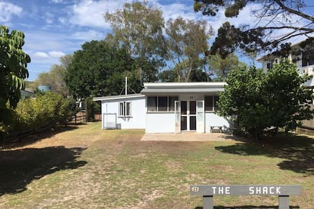 Traditional beach cottage on the Esplanade - Woodgate - Huis
