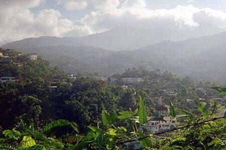 Jamaica Getaway Retreat - Ewarton - Ház