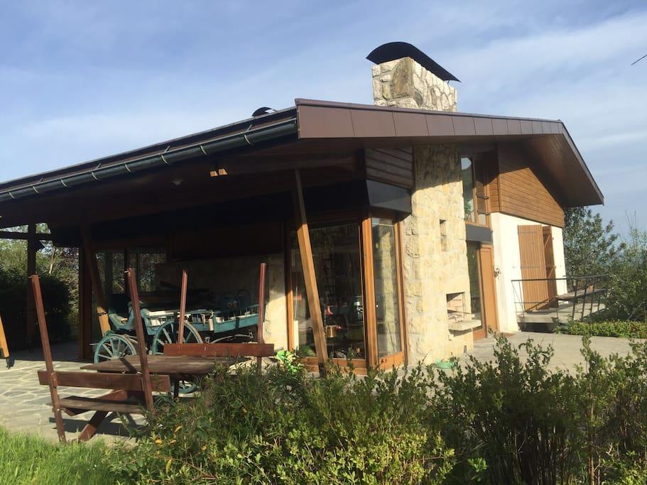 Ch let d 39 architecte grande terrasse et jardin huizen te for Chalet d architecte