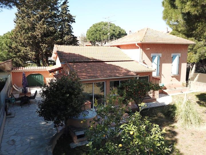 Villa moderne avec jardin à 200m des plages-4 pers