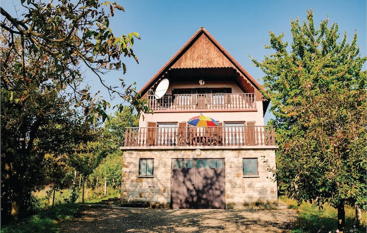 Holiday cottage with 4 bedrooms on 180m² in Nagymaros