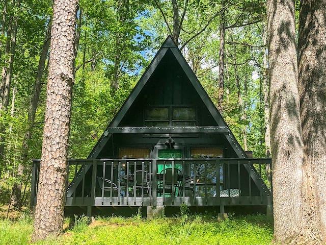 """The Alpine A"": Saluda A-frame cabin"