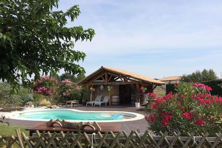 Maison au coeur du vignoble frontonnais - Fronton - บ้าน