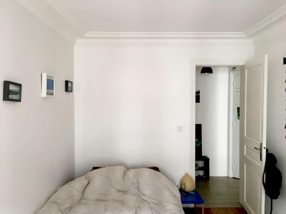 La chambre (vue de la fenêtre)