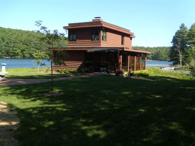 Historic, Private Lake Home - Sturbridge - Σπίτι