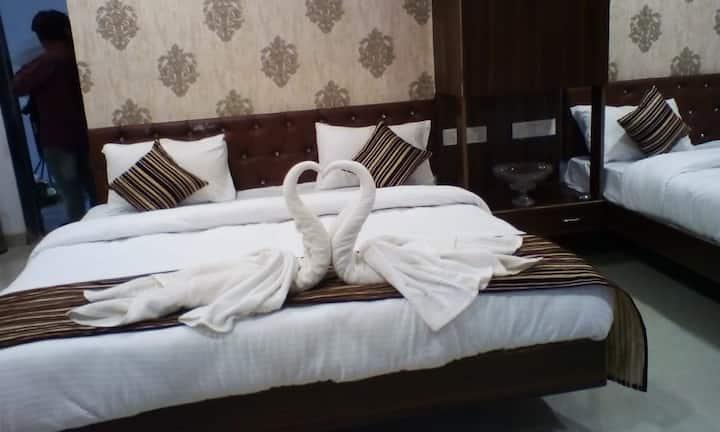 COZY HOTEL STAY MAHABALESHWAR