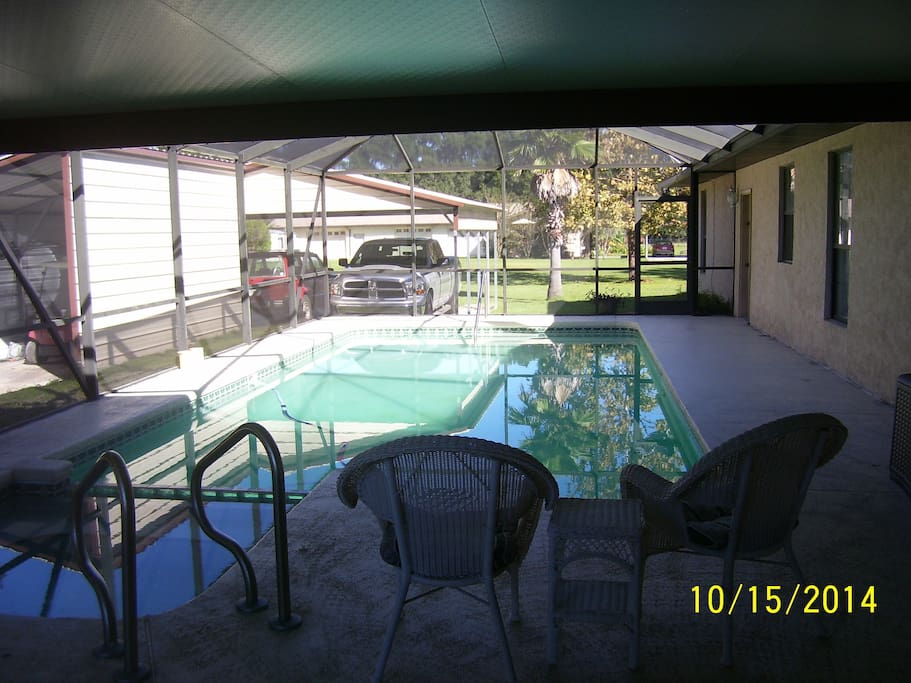 POOL AND HOT TUB  APARTMENT AND GARAGE GOES WITH APARTMENT.