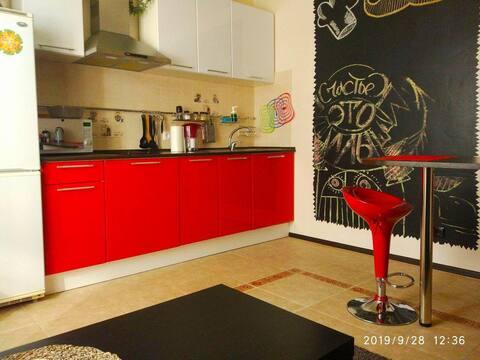 Теплая квартира со свежим ремонтом. Новый дом!