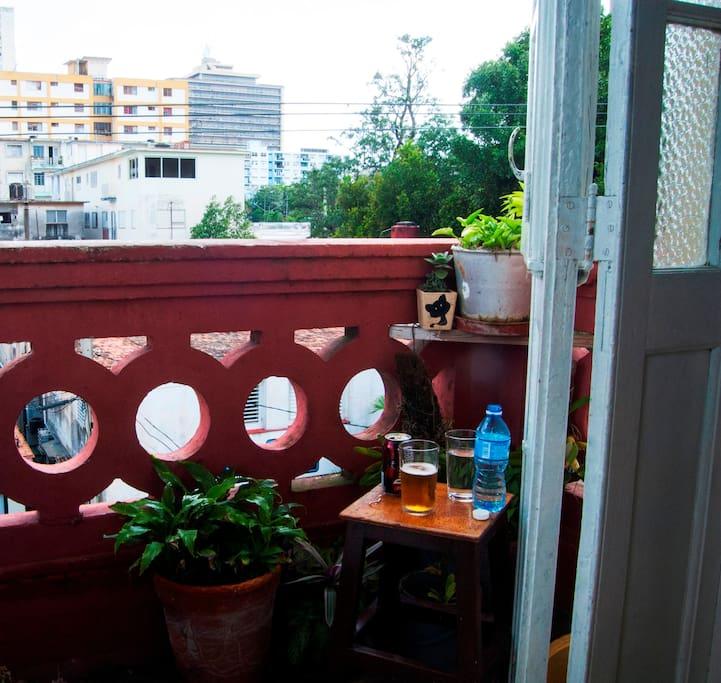 Vista de la Habana Moderna desde nuestro Balcón.