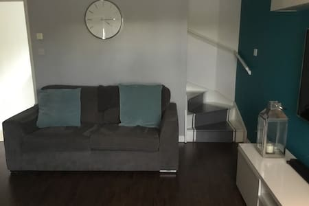 Modern 4BD home away from home. - Cumbernauld