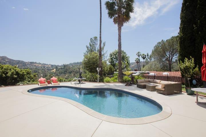 Hollywood Hills w/ HEATED SALT Pool. Photo shoots