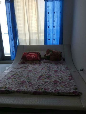 Cosy 1 Master Bedroom For Families/ladies in Dubai