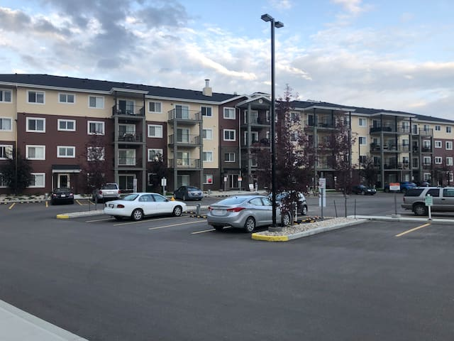 Newer 1 bedroom Condo 10 Minutes from Whyte Ave.
