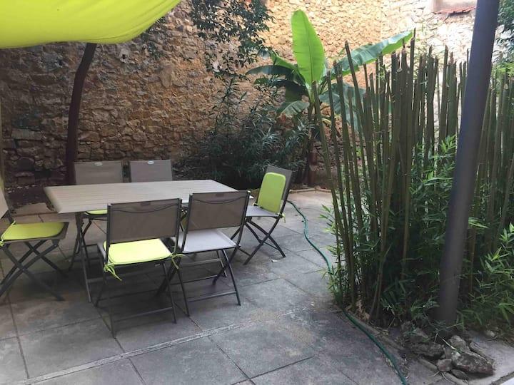 Appartement type 2 avec jardin centre ville calme