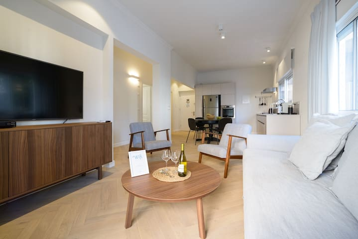 Newly renovated 2Bdrm & 2Bath apartment!