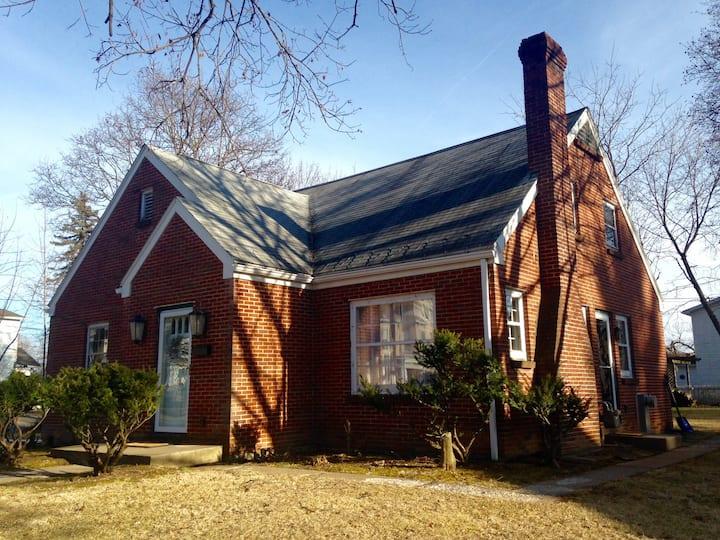 The Cottage on East Linn - 15 min to PSU