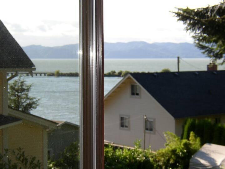 Private Columbia River View Getaway
