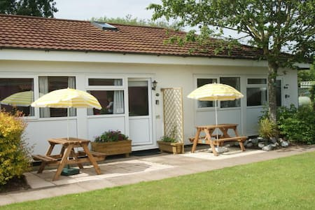 Beaches, 2 Bedroom Chalet - Dawlish Warren - Шале
