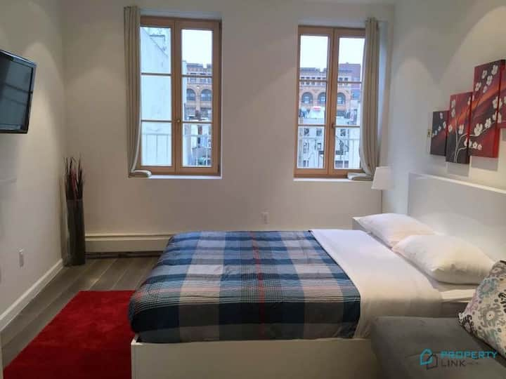 Renovated Studio In little Italy.  Great Location