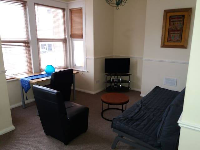Hamlet CT by Short Let Southend,first floor flat