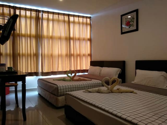 4Queen bed2toilet free Wifi&water BayuTinggi Klang