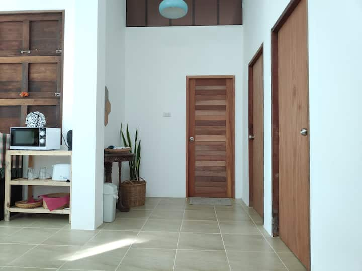 High ceiling, airy & bright house 2 bedrooms