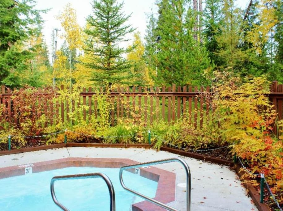 Timberline Lodges Juniper Lodge Hot Tub