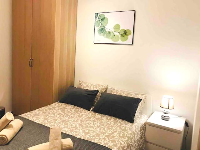 Double Room for 2 persons in Poble Nou! Center BCN