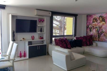 Apartamento Conjunto HIRACA Residencial