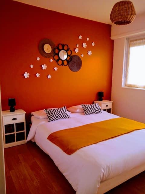 Cozy apartment. Unbeatable location!