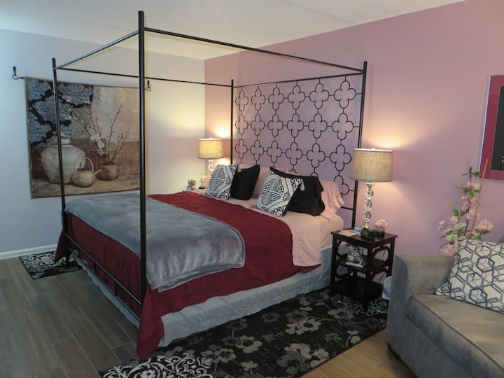 The Cherry Blossom Room - Private in Shared home
