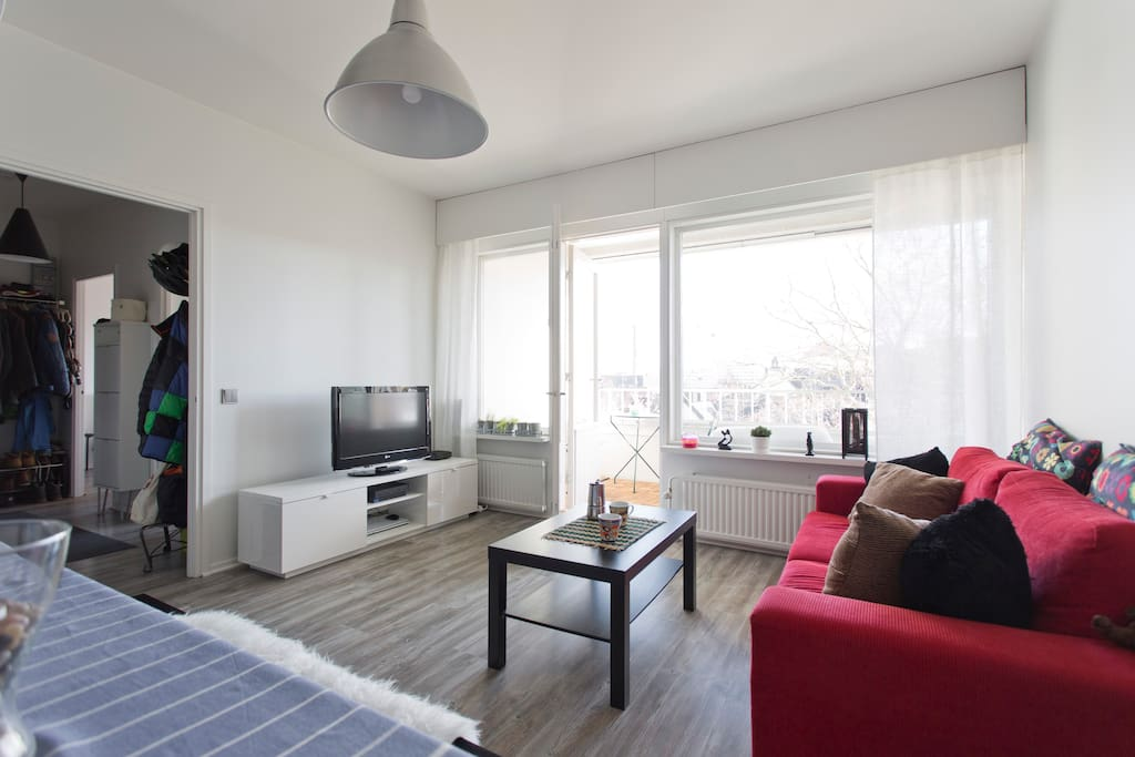 Recently revonated. Luminous and spacious.   TV, DVD, WIFI.