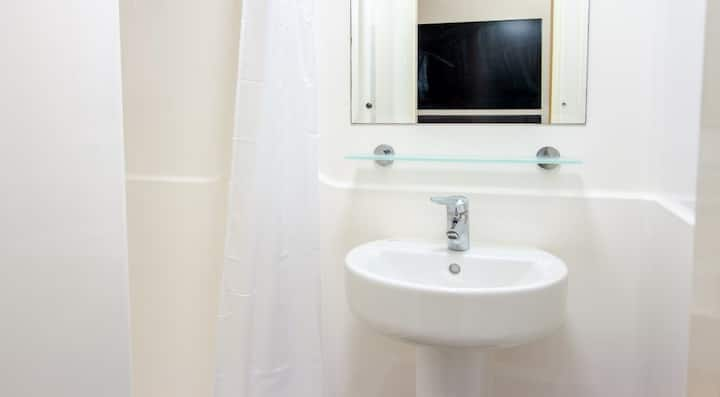 Student Only Property: Grand Classic Ensuite