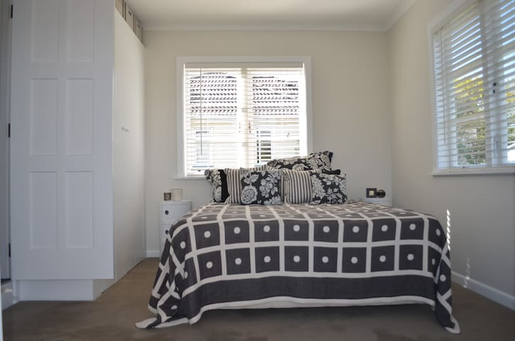 Private room with own bathroom - Auckland - Haus